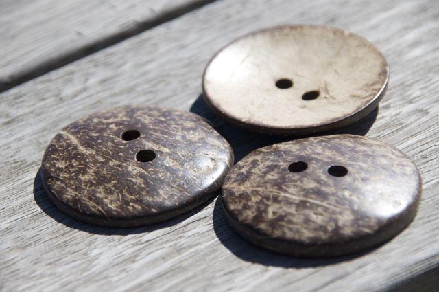 Coconut button – Large