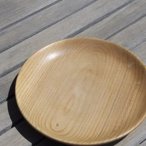 Hand crafted wooden plate – English Elm, medium