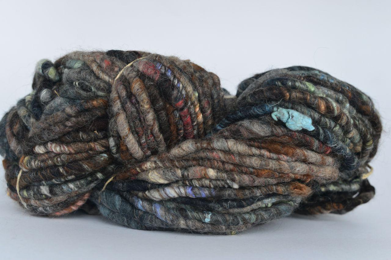 Chunky Yarn – Charcoal + Colour